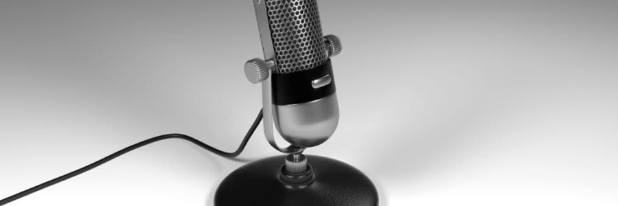Podcasts liegen im Trend. Ran ans Mikrofon!